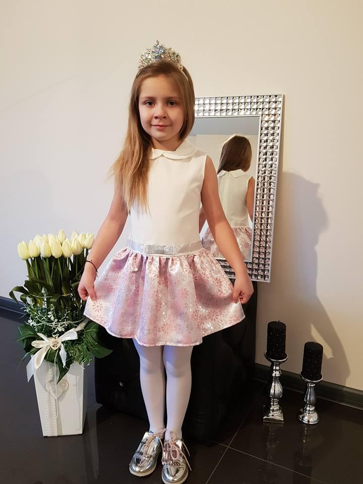 Dievčenské šaty bieloružové s margarétkami  134
