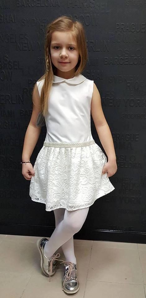 Dievčenské šaty smotanové s čipkou 110