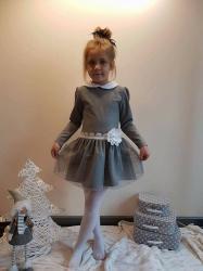 Dievčenské šaty šedé s bielym kvetom dbbb06a5fc6
