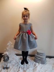 Dievčenské šaty s opaskom a s kvietkom 5a083c374a4